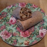 Healthy lunch: peanut butter apple wraps